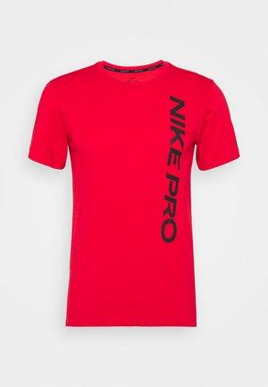 BURNOUT - Print T-shirt - university red/black