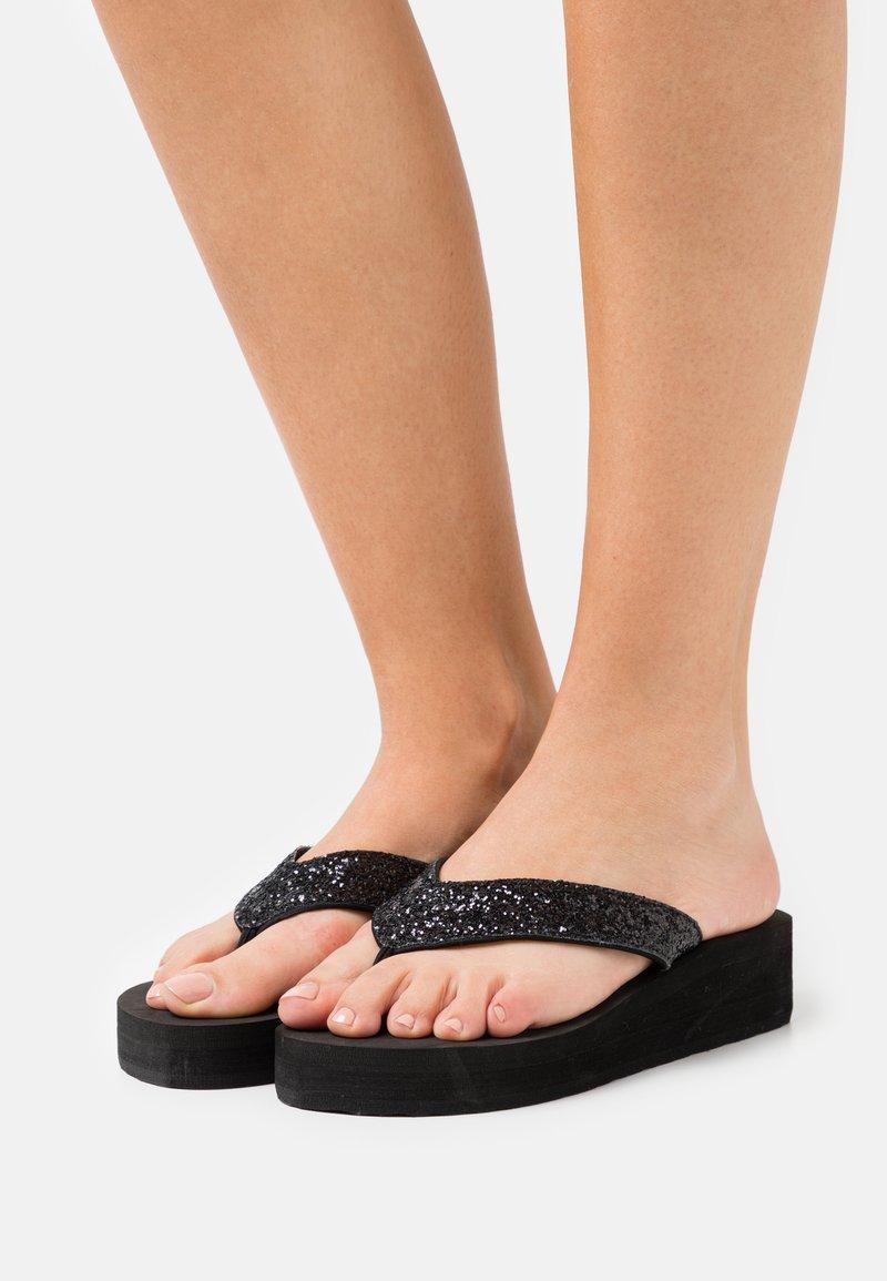 Esprit - ELLIE PLATHONGS - T-bar sandals - black
