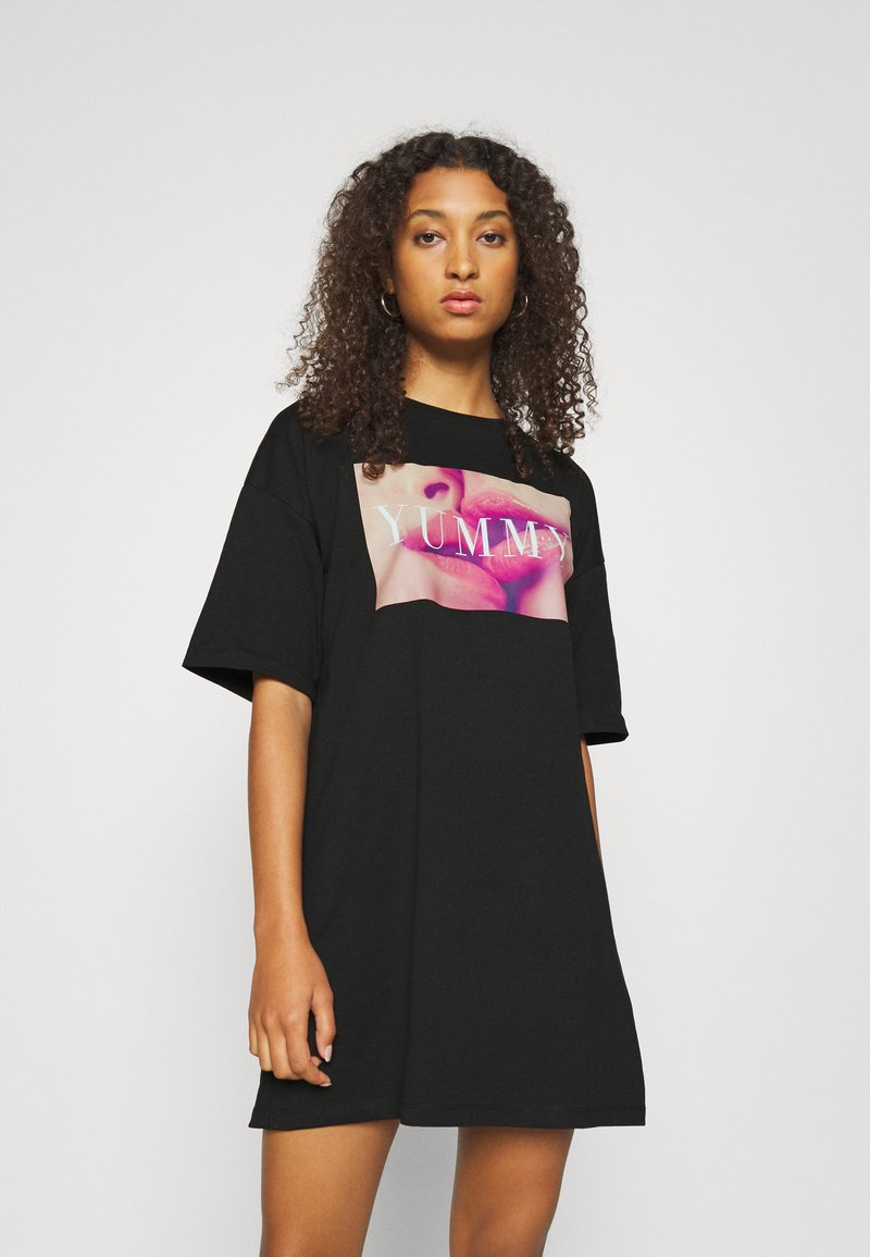 Even&Odd - Basic oversized T-Shirt Dress - Sukienka z dżerseju - black/ pink