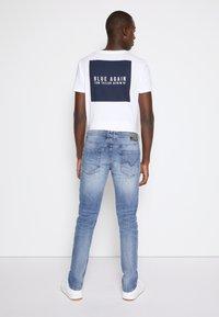 TOM TAILOR DENIM - PIERS - Jeans slim fit - bleached blue denim - 2