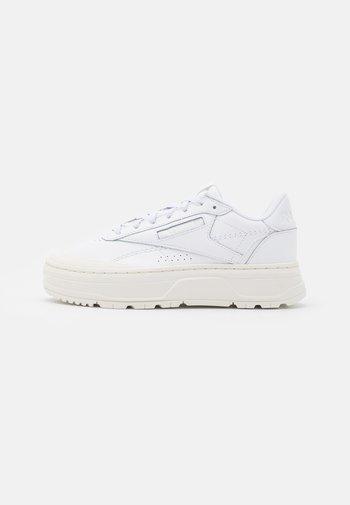 CLUB C DOUBLE GEO - Joggesko - footwear white/chalk