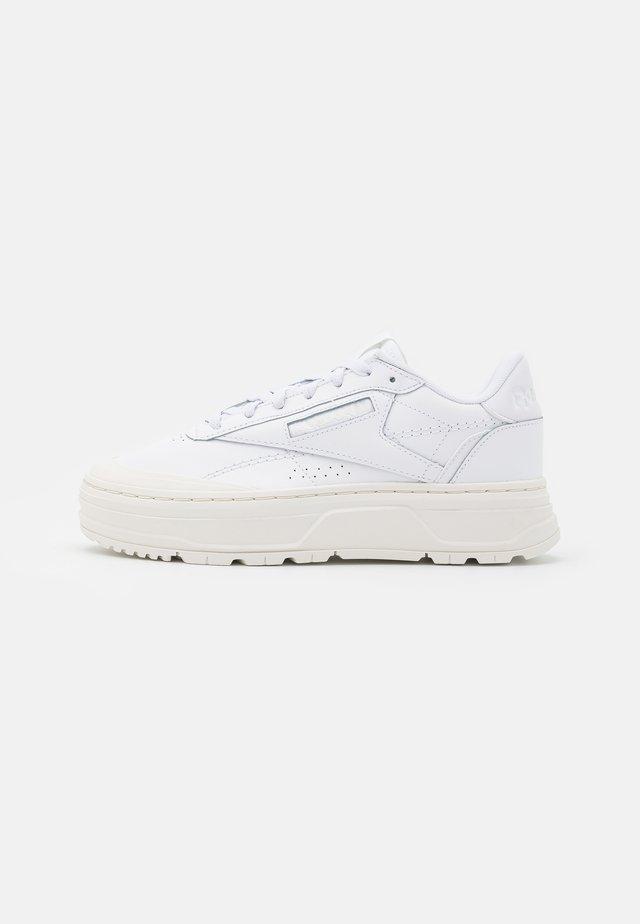 CLUB DOUBLE  - Sneakers laag - footwear white/chalk
