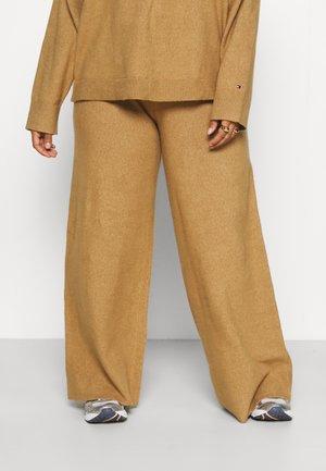 FLEX WIDE LEG PANT - Trousers - countryside khaki