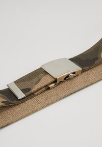 Petrol Industries - Belt - grün/beige - 2
