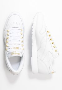 Reebok Classic - CLASSIC  - Trainers - white/gold - 3