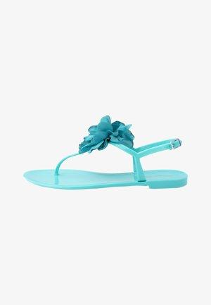 Sandaler m/ tåsplit - smeraldo