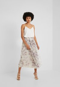 Needle & Thread - LILACS SMOCKED BALLERINA SKIRT - A-Linien-Rock - champagne - 1