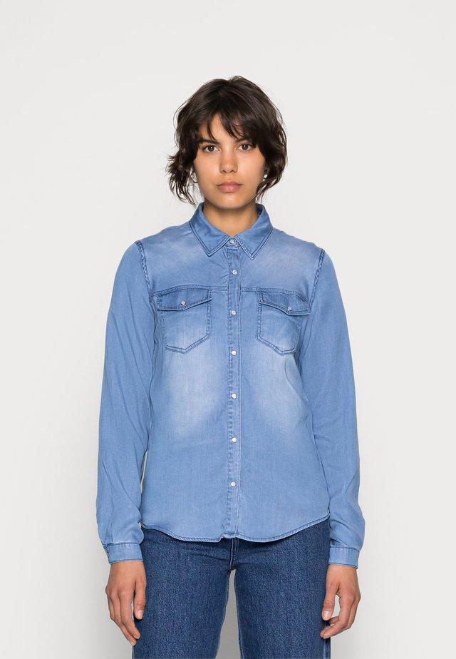 VIBISTA DENIM SHIRT - Button-down blouse - medium blue denim