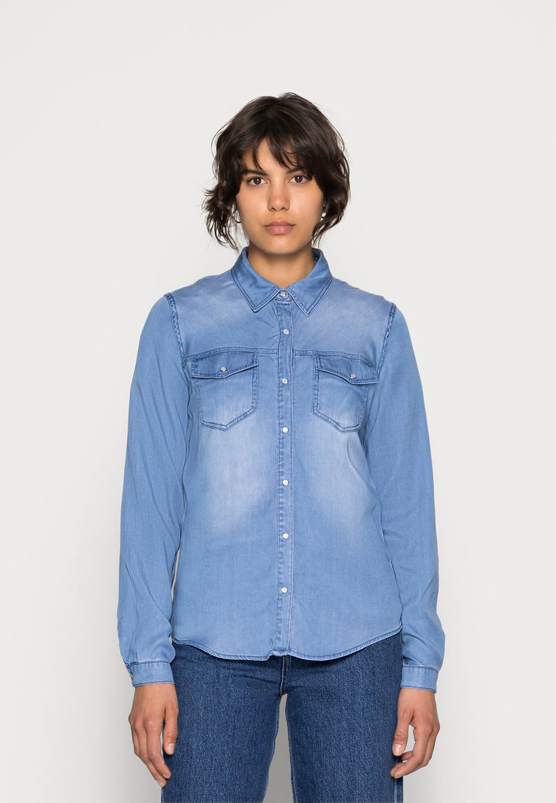 Vila - VIBISTA DENIM SHIRT - Button-down blouse - medium blue denim