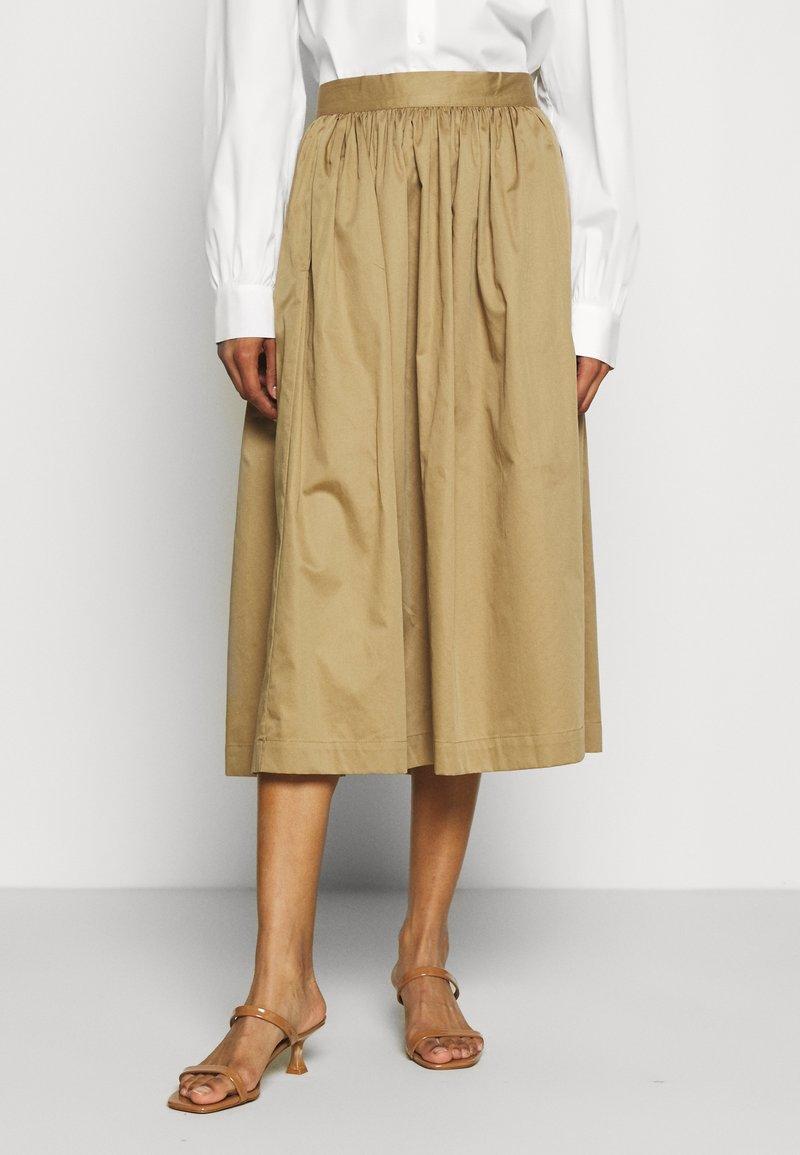 Selected Femme - SLFWANDA MIDI SKIRT - Plisovaná sukně - kelp