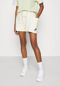 Nike Sportswear - AIR - Short - coconut milk - 0