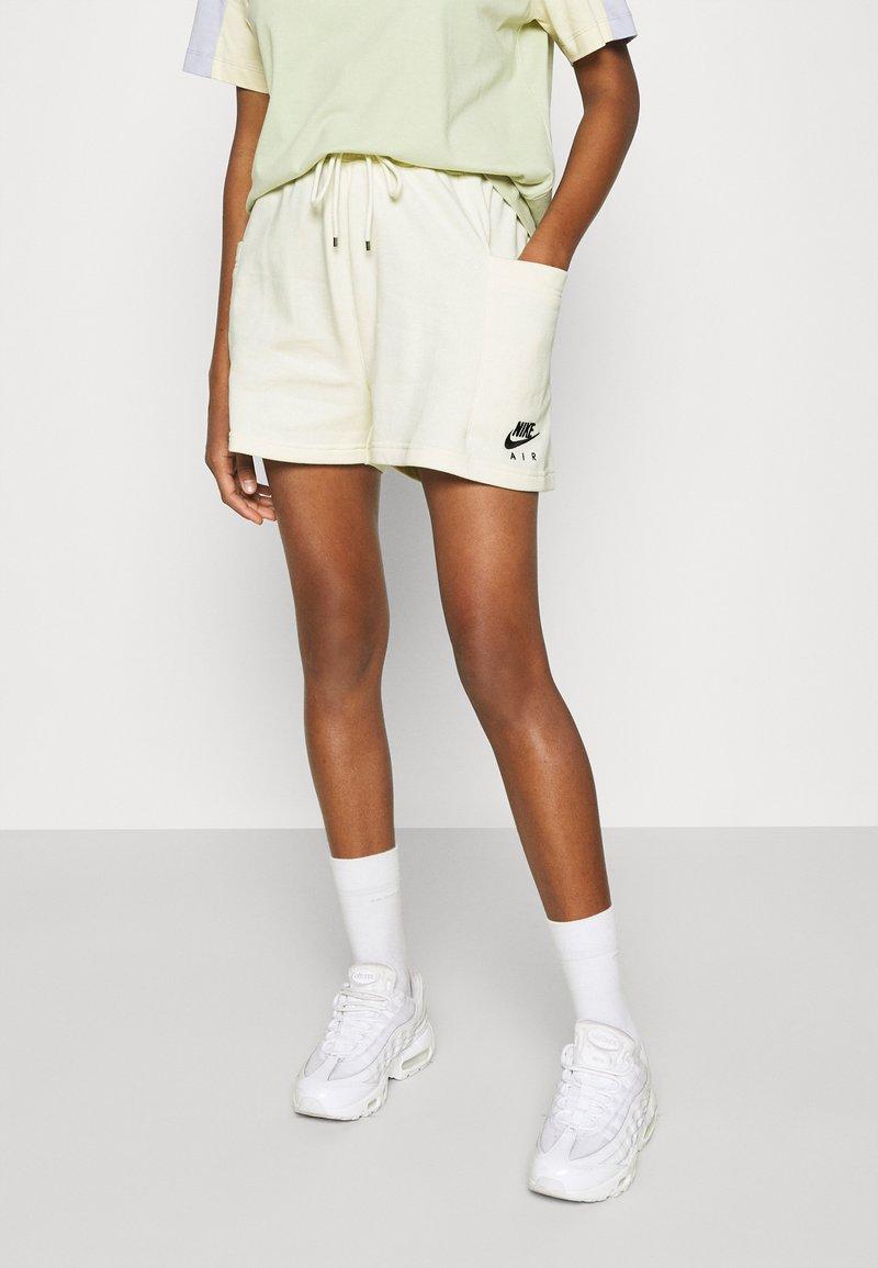 Nike Sportswear - AIR - Short - coconut milk