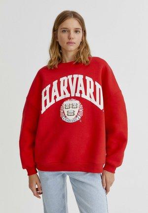 """HARVARD"" IM COLLEGE-STIL - Collegepaita - red"