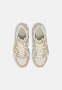 ASICS SportStyle - GEL-1130 - Baskets basses - cream/champagne - 5