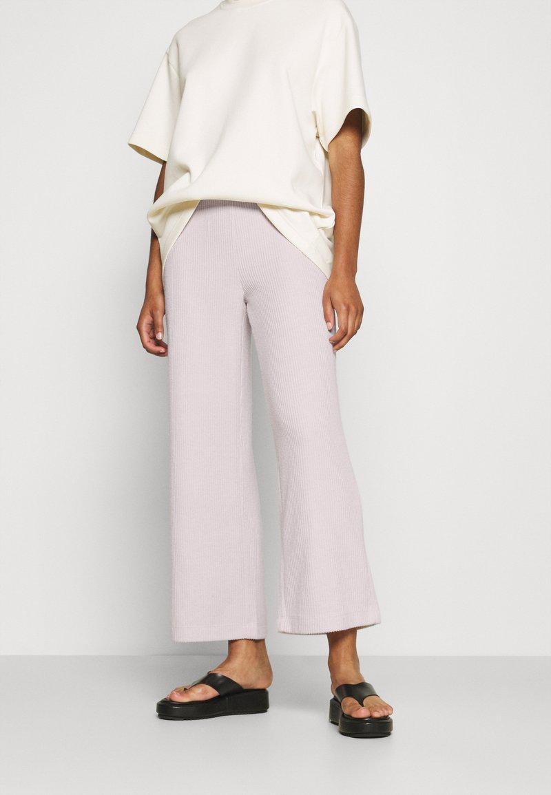 Soyaconcept - SC-TAMIE 2 - Trousers - cream melange