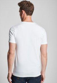 JOOP! - 2 PACK  - Basic T-shirt - white - 2