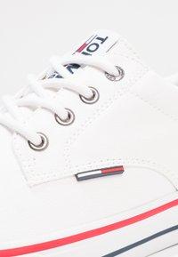 Tommy Jeans - Tenisky - white - 4