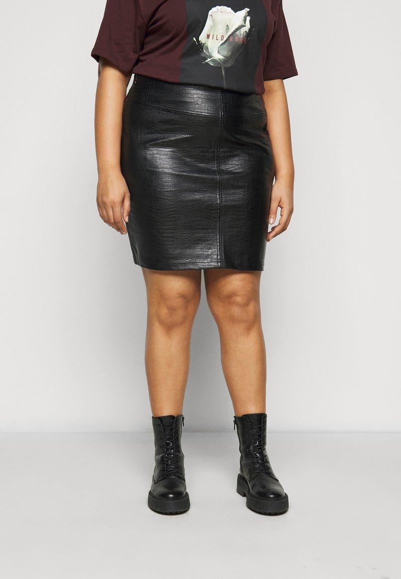 Noisy May Curve - NMLISSY SHORT SKIRT - Mini skirt - black