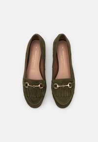 Dorothy Perkins Wide Fit - WIDE FIT FRINGE LOAFER - Loaferit/pistokkaat - khaki - 5