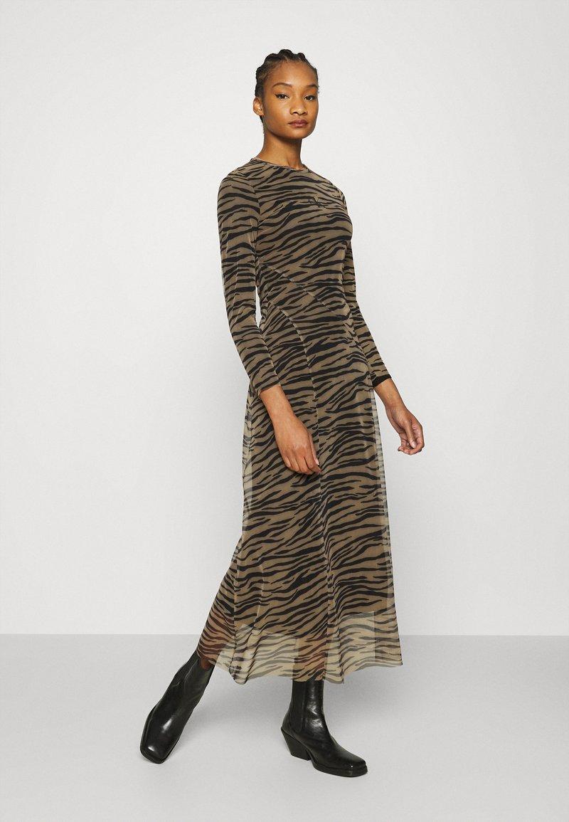 Calvin Klein Jeans - ZEBRA DRESS - Maxi dress - irish cream/black