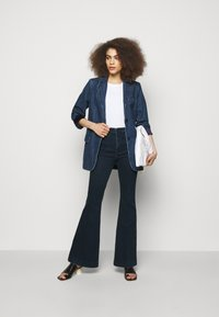 J Brand - DARTED HIGH RISE TROUSER - Flared Jeans - civility - 1