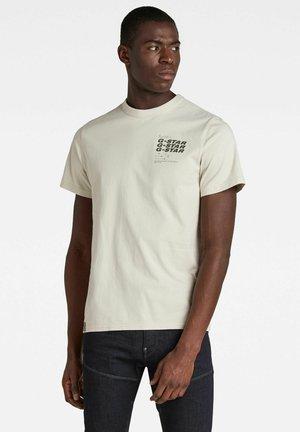 BIG BACK GRAPHIC - Print T-shirt - whitebait