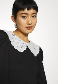 Dorothy Perkins - EMBROIDERED COLLAR TEXTURED - Blouse - black - 3
