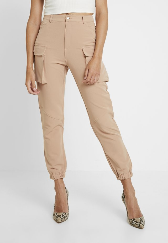CARGO TROUSERS - Pantalones - tan