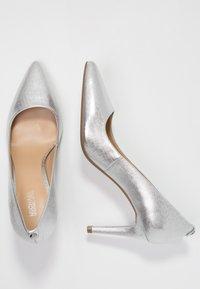 MICHAEL Michael Kors - DOROTHY FLEX - High heels - silver - 3