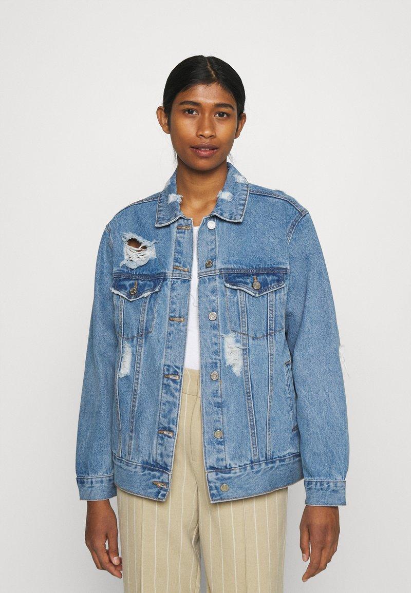 Missguided - DISTRESSED BOYFRIEND JACKET - Denim jacket - blue