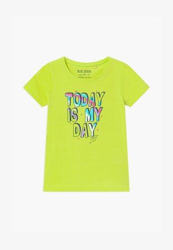 SMALL GIRLS RAINBOW - T-shirts print - hell grün