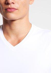 HUGO - 2 PACK - T-Shirt basic - white - 3
