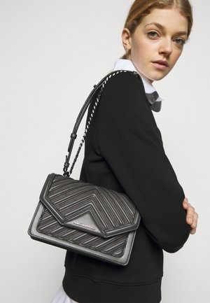 KLASSIK QUILTED CROSSBODY - Across body bag - thunder