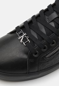 Calvin Klein Jeans - MID LACEUP ZIP  - High-top trainers - full black - 5