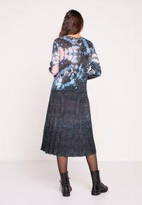 Ivko - PRINTED DRESS  BATIK PATTERN - Jumper dress - dark grey - 2