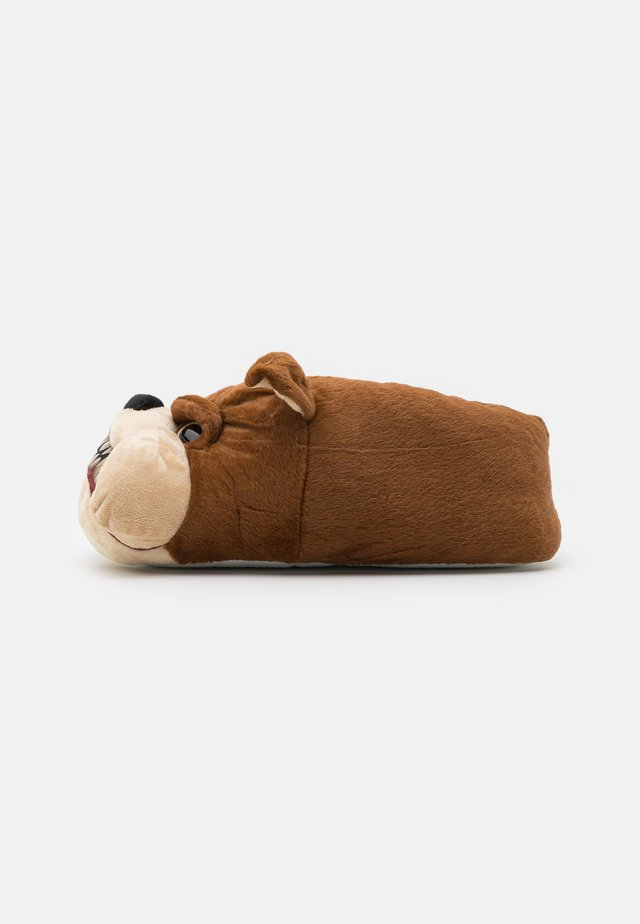 BULLDOG WITH PRINTED MOUTH - Pantuflas - brown