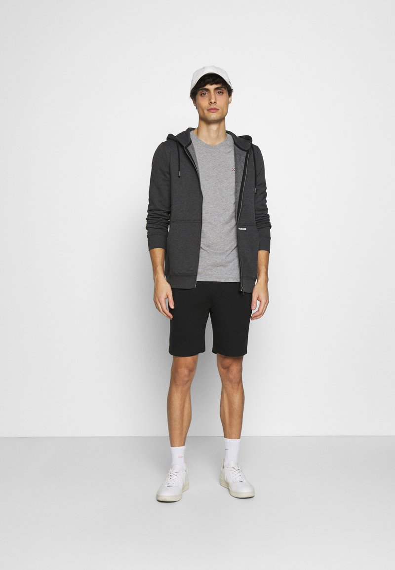 INDICODE JEANS - EXCLUSIVE 2 PACK - Shorts - black/light grey