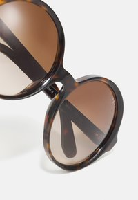 VOGUE Eyewear - LONDON - Sunglasses - dark havana - 3