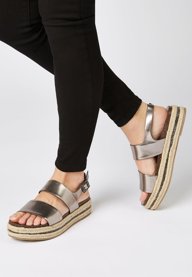 PEWTER  - Sandalias con plataforma - grey