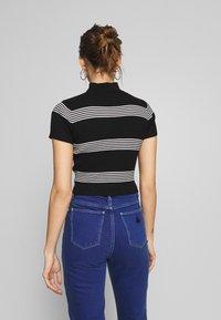 Abrand Jeans - JESSICA - Print T-shirt - black/white - 2