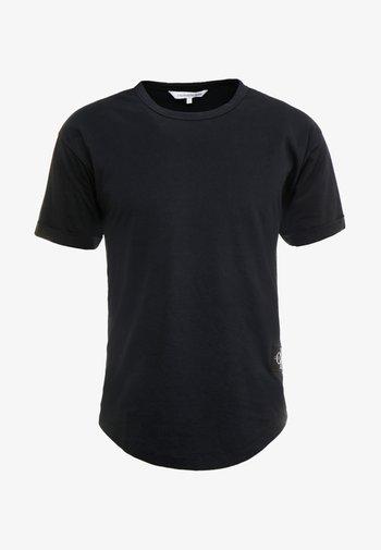BADGE TURN UP SLEEVE - T-shirt - bas - black