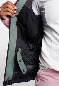 Brunotti - SHEERWATER WOMEN SNOWJACKET - Snowboard jacket - black - 6