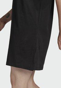 adidas Originals - TEE DRESS - Robe en jersey - black - 5