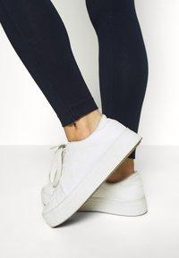 Champion - 7/8 LEGGINGS - Collant - dark blue denim - 3