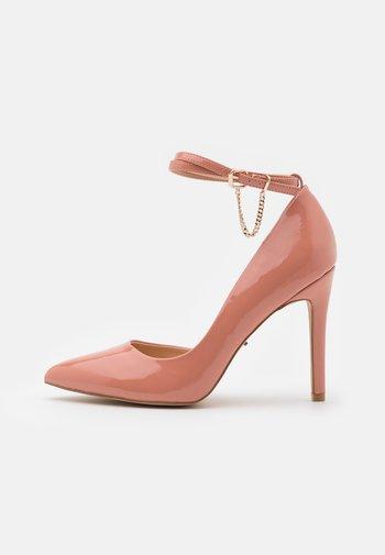 ONLCHLOE CHAIN - Czółenka - pink