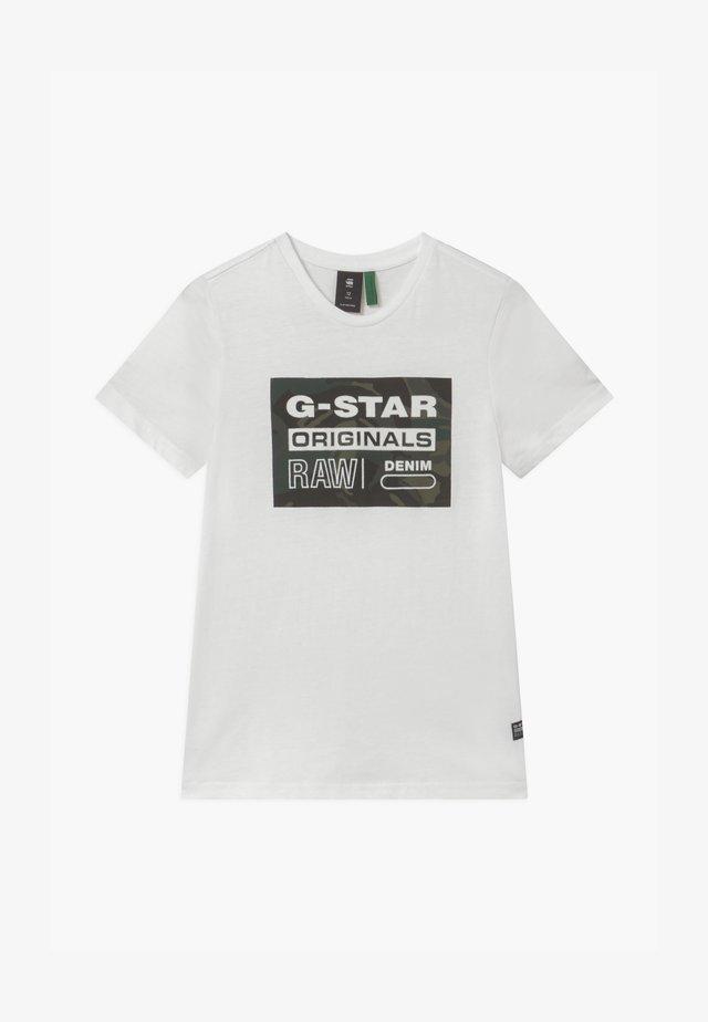 TEE - Print T-shirt - milk