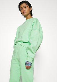 adidas Originals - Sweatshirt - glory mint - 6