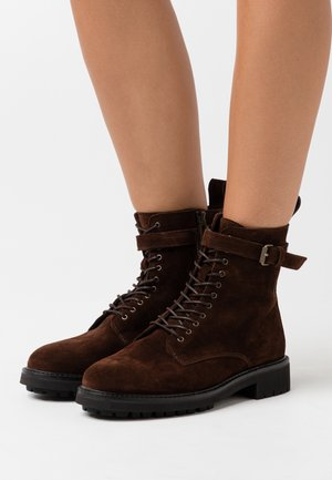 FINLEY - Lace-up ankle boots - chocolate