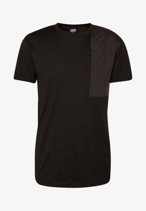 MILITARY SHOULDER POCKET - Print T-shirt - black