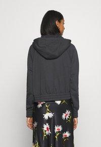 Nike Sportswear - Sudadera con cremallera - black/white - 2